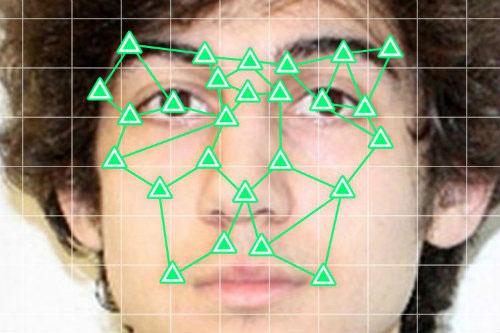 How-old dựa trên điểm nào trên gương mặt để đoán tuổi?