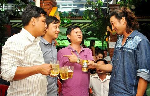Lợi ích tuyệt vời của việc uống bia hằng ngày mà bạn chưa biết