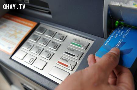 Máy ATM.