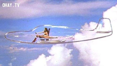 Wonder Woman invisible plane
