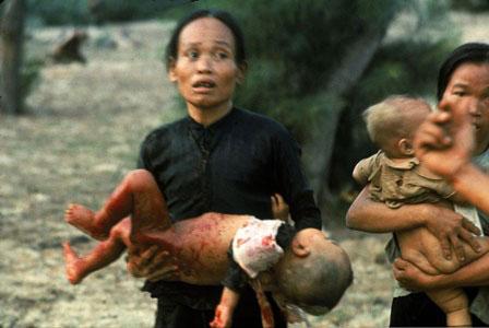 Người mẹ chôn sống con để cả làng thoát chết