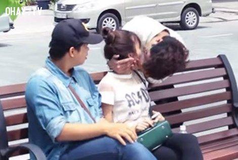 ảnh kiss cam,kiss cam việt nam,kiss cam vietnam,hôn người lạ,hôn trộm