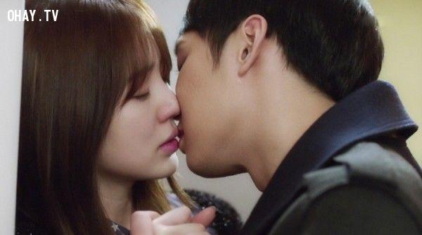 ảnh hôn lần đầu,cảm giác lần đâu hôn,hôn như thế nào,nụ hôn đầu,lần đầu hôn,nụ hôn