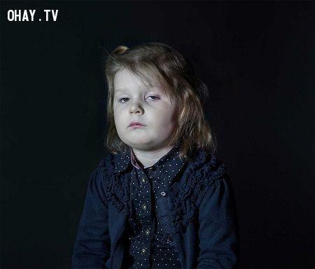 ảnh nghiện công nghệ,trẻ em,trẻ nghiện công nghệ,mặt trái của công nghệ