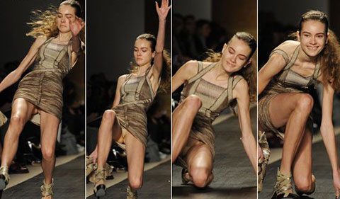 Cười té ghế với top 10 thảm họa catwalk