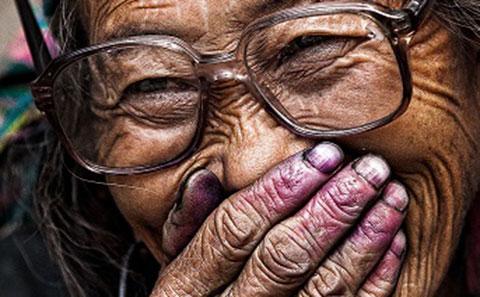 Tại sao hầu hết người sống thọ trên 100 tuổi là phụ nữ?