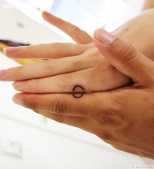 Circle Matching Tattoo For Lovers ❥❥❥ http://bestpickr.com/matching-couples-tattoos