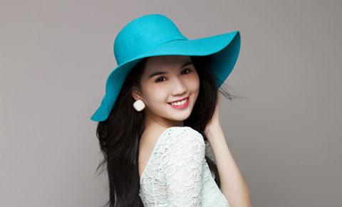Mỹ nhân Việt và kiểu pose hình mang thương hiệu Ngọc Trinh.