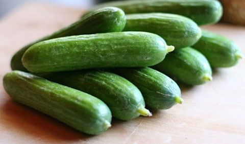 """6 loại rau củ thường được """"tắm"""" nhiều thuốc sâu nhất"""