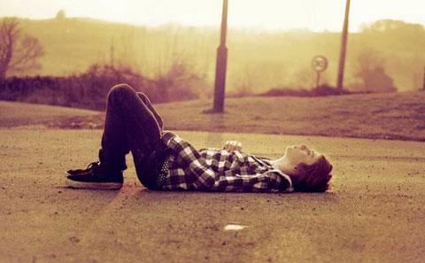 7 điều con gái cần làm khi con trai mệt mỏi, buồn chán