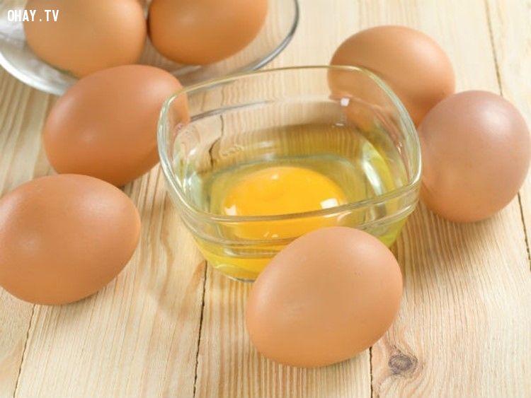 Ăn nhiều lòng trắng trứng sống có thể gây nhiều bệnh nguy hiểm cho cơ thể