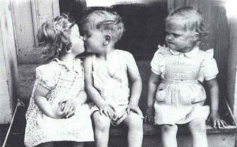 Ai từng có tình yêu thời tiểu học?