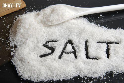 ảnh mẹo về muối,mẹo nấu ăn không bị bỏng,mẹo nhà bếp