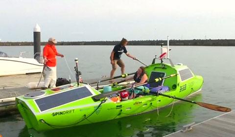 Thế giới sắp có người phụ nữ đầu tiên chèo thuyền vượt Thái Bình Dương.