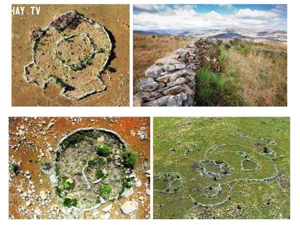 cận cảnh những vòng tròn đá