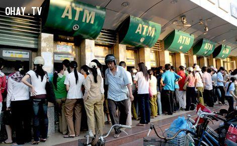 ảnh mất thẻ ATM,đánh cắp tiền,mất tiền,bảo mật thẻ ngân hàng