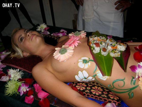ảnh Nyotaimori,Sushi nude,Geisha,khỏa thân