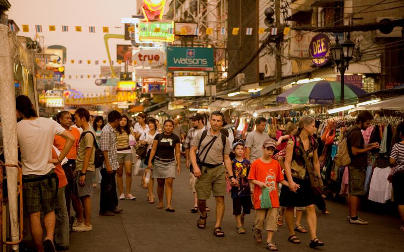 Ở Thái Lan, bạn không được phép ra khỏi nhà nếu không mặc quần lót. Ảnh: Thaivisa.