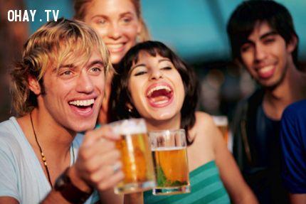 ảnh tác dụng của việc uống bia,uống bia,lợi ích của uống bia