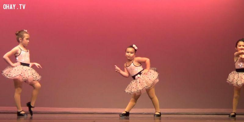 ảnh vũ công nhí,Aretha Franklin,em bé nhảy dễ thương,em bé