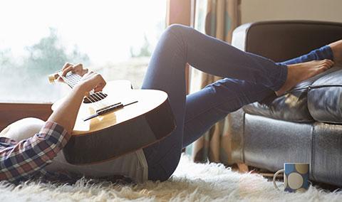 7 cách để hạnh phúc khi bạn sống một mình