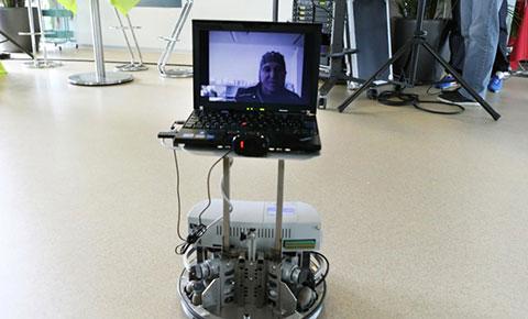 Robot điều khiển từ xa bằng suy nghĩ đã được nghiên cứu thành công!