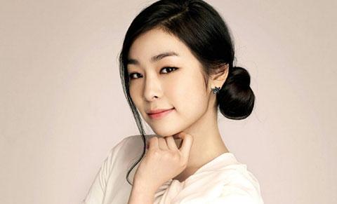 Vượt qua Suzy,Yoona, IU ,Hani.... Kim yuna dẫn đầu bảng xếp hạng độ nổi tiếng của sao nữ đối với phái nam .