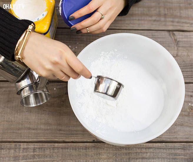 ảnh bom tắm,muối epsom,baking soda,oải hương,tinh dầu,làm quà handmade