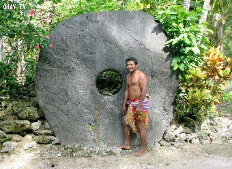 Tiền đá Rai