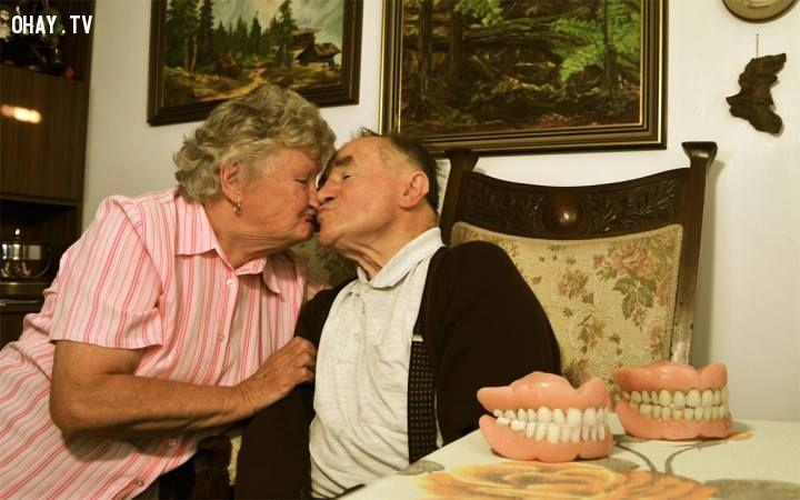 Nụ hôn không rào cản