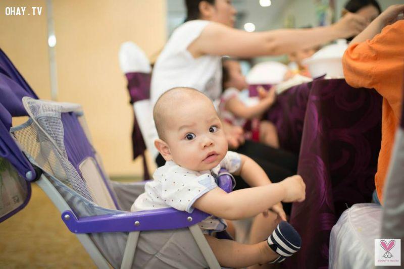ảnh em bé,em bé đáng yêu,khoảnh khắc em bé,em bé khóc,em bé cười