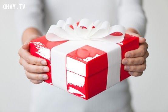 không nhận món quà