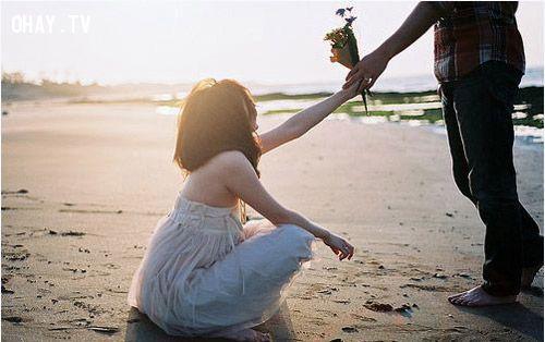 ảnh quan tâm,thể hiện sự quan tâm,tình yêu,thể hiện tình cảm,thể hiện tình yêu