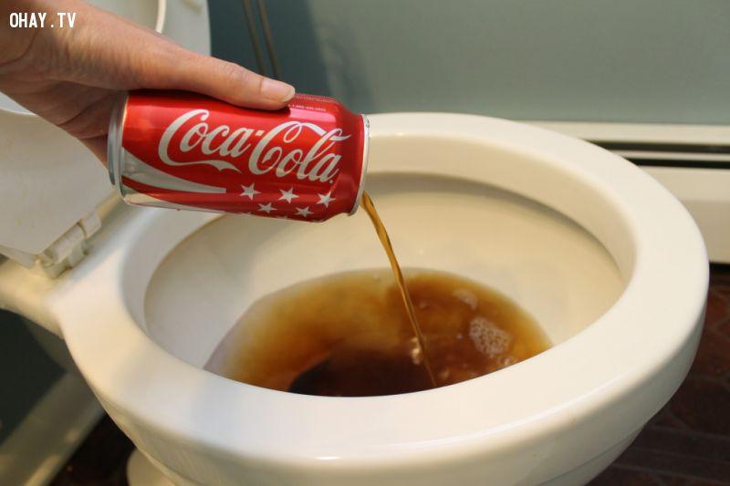 21 công dụng tuyệt vời của Coca Cola ngoài sức tưởng tượng của bạn