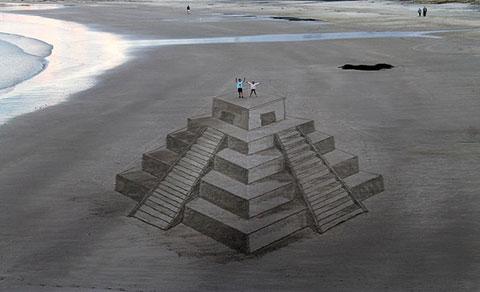 Những bức tranh 3D được vẽ trên cát thật độc đáo