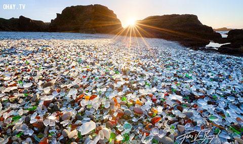 10 bãi biển độc và lạ nhất thế giới