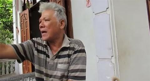 Người dân xung quanh trả lời phỏng vấn vụ thảm sát tại Bình Phước