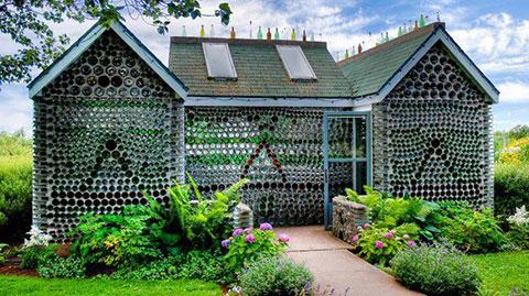 Những căn nhà tuyệt đẹp được làm từ phế liệu
