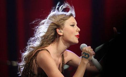 10 lợi ích tuyệt vời của việc ca hát