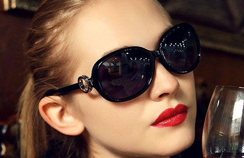 Top 22 mẫu kính râm đẹp và tiện dụng cho nữ
