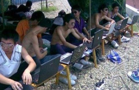 Những sáng tạo bá đạo của sinh viên khi sử dụng máy tính