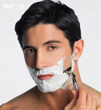 cạo râu