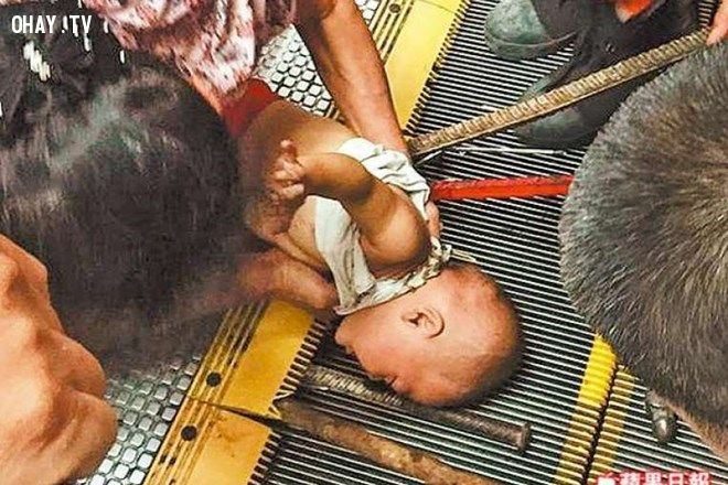 Trung Quốc gặp ác mộng thang máy, thêm một cô gái bị kép đứt đầu