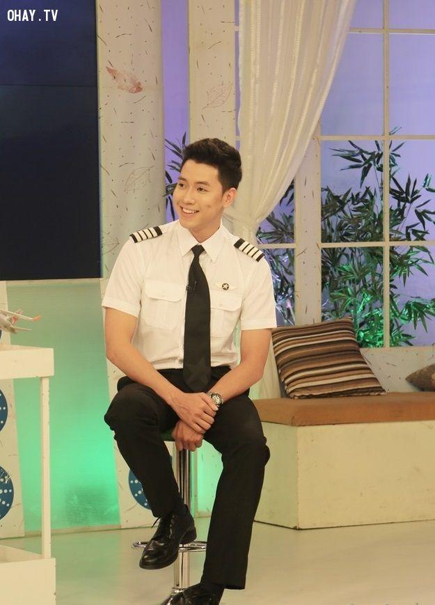 ảnh cơ trưởng,khoe giọng,bữa trưa vui vẻ,Nguyễn Quang Đạt,cơ trưởng trẻ nhất,cơ trưởng đẹp trai,cơ trưởng điển trai,hot hoy,trai đẹp