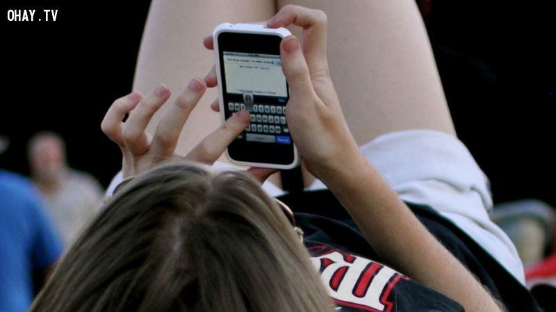Nghiện chat và nhắn tin