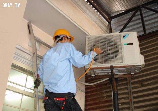 ảnh thợ sửa máy lạnh,máy lạnh hư,thợ sửa điều hòa,cảnh giác