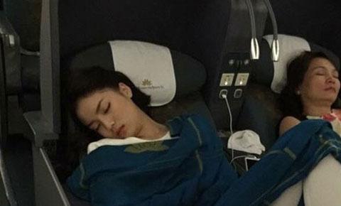 Người chụp và đăng hình ảnh tư thế ngủ khó đỡ của hoa hậu bị tội gì?