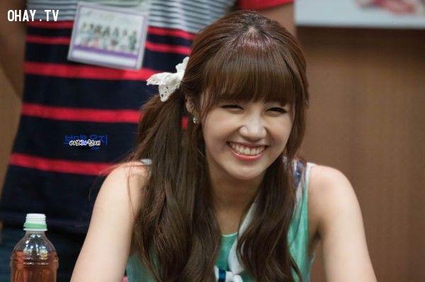 ảnh kpop,thần tượng kpop,nụ cười tươi