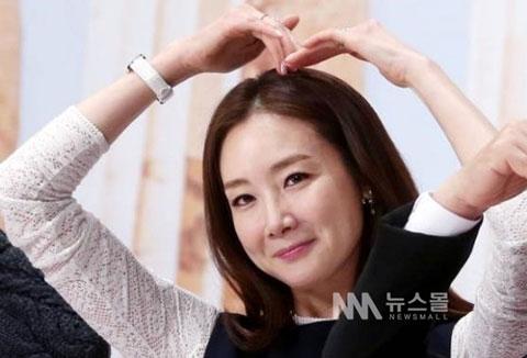 Choi Ji Woo trở lại màn ảnh với phim mới của tvN
