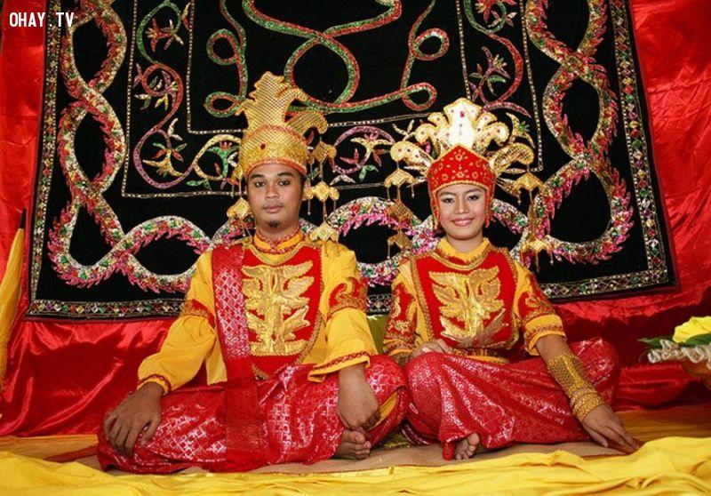 Phong tục cưới Borneo Indonesia